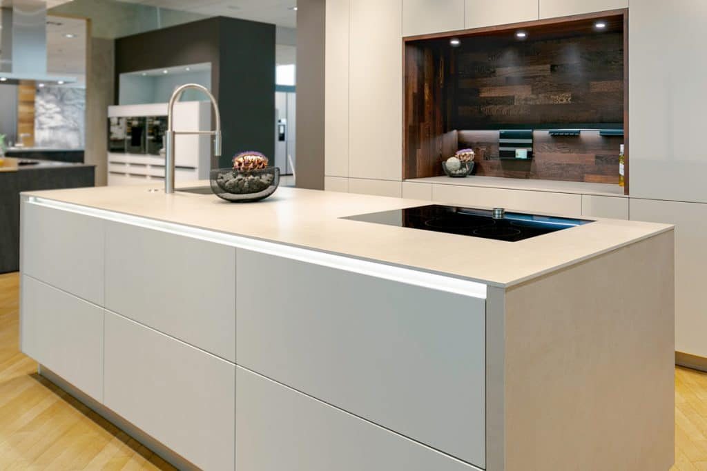 Küchenplatte mit Mirage Keramikfliese 'Sugar'